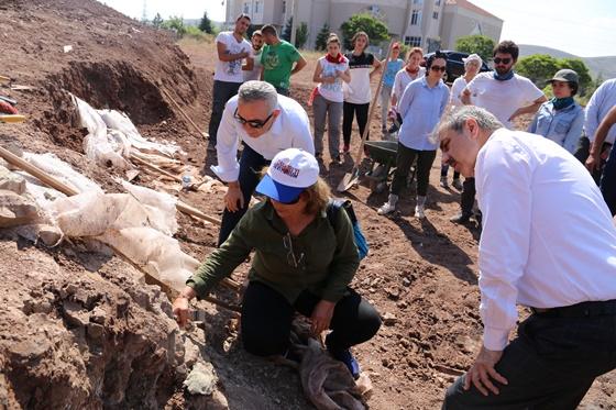 Başkan Dinç Çankırı'daki kazı çalışmalarına katıldı