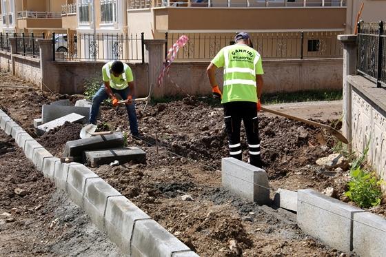 Feslikan Bölgesinde kaldırım ve  asfalt çalışmaları devam ediyor
